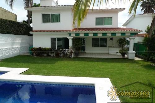 casa en venta en lomas de cocoyoc olc-0256