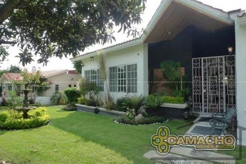 casa en venta en lomas de cocoyoc olc-239