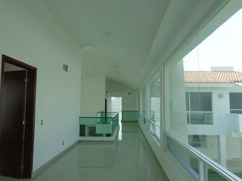 casa en venta en lomas de cocoyoc terreno 746m2.
