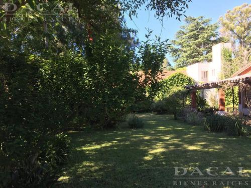 casa en venta en manuel b. gonnet alle 489 e/ 18 y 19 dacal bienes raices