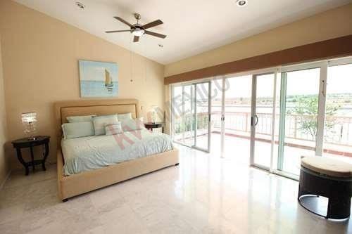 casa en venta en marina mazatlan con alberca