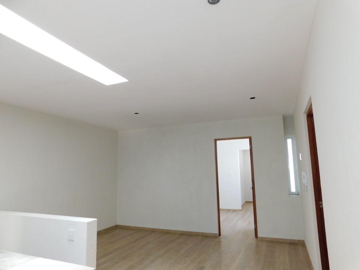 casa en venta en monterra oriente con carpintería de primera calidad