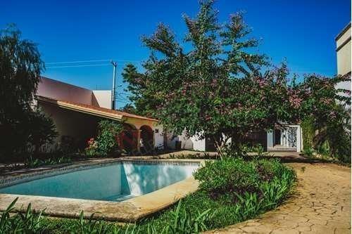 casa en venta en  norte de  mérida  amplios  jardines y piscina