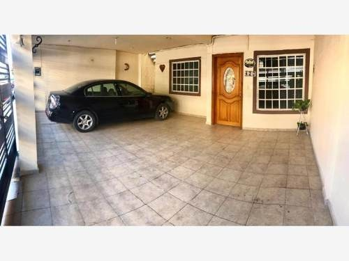 casa en venta en nuevo periferico nte secc 3