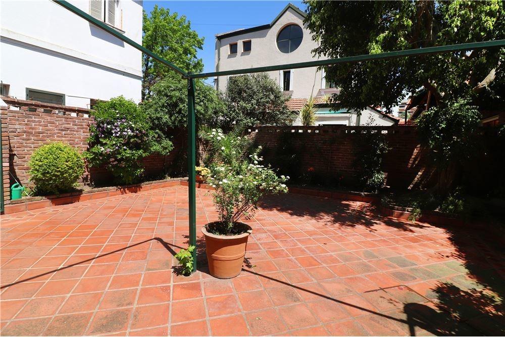 casa en venta en olivos  - excelente ubicación