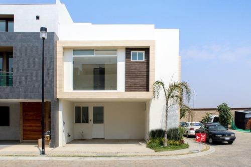 casa en venta en parque baja california sur en lomas de angelópolis