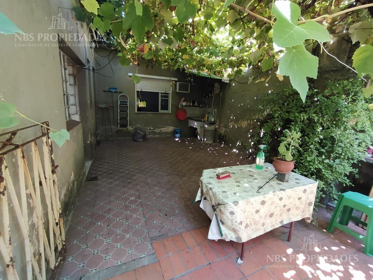 casa en venta en parque chas - ideal para reciclar y/o construir