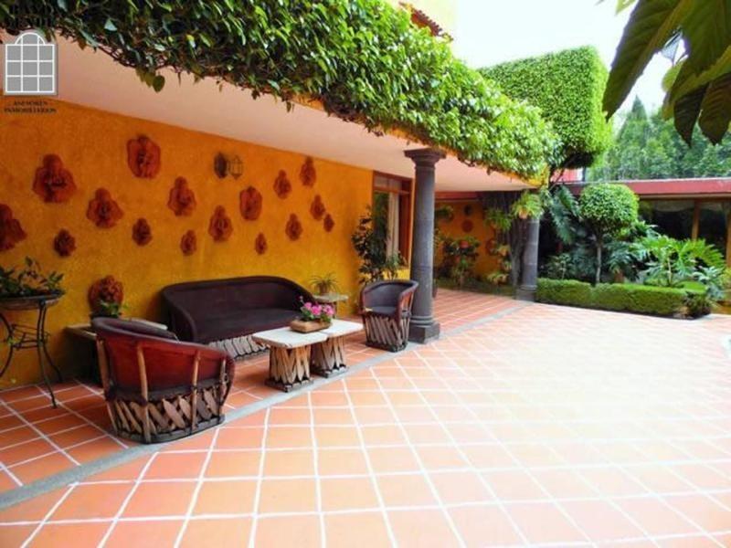 casa en venta en pedregal con gran jardin plano y oficina independiente