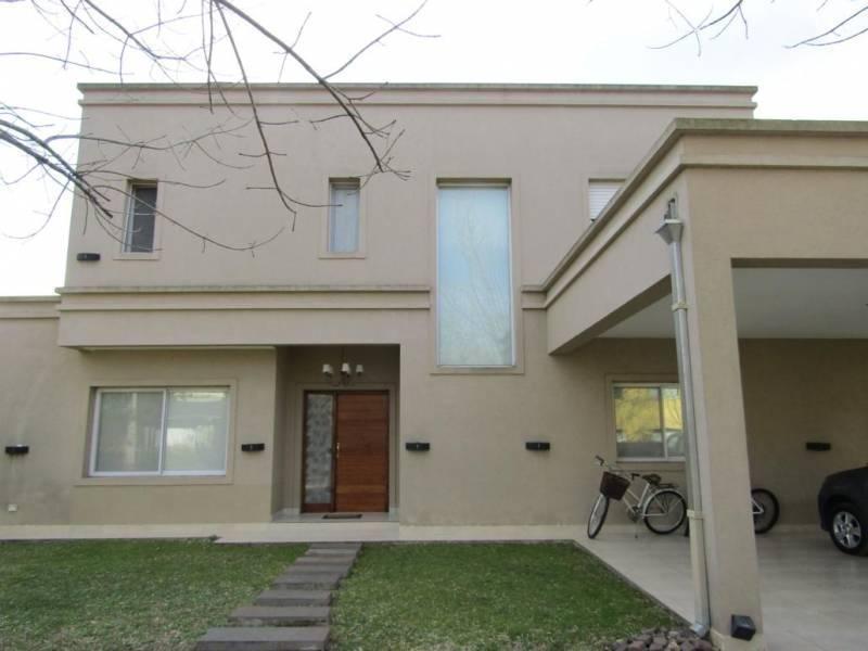 casa en venta en pilar, barrio bermudas