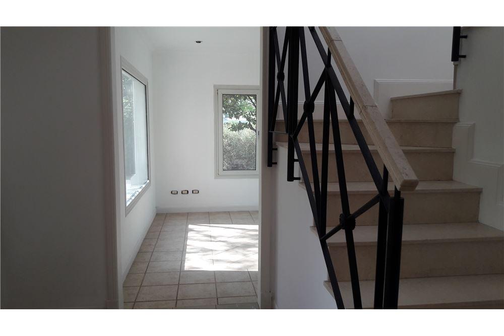 casa en venta en pilar  barrio privado el mirasol