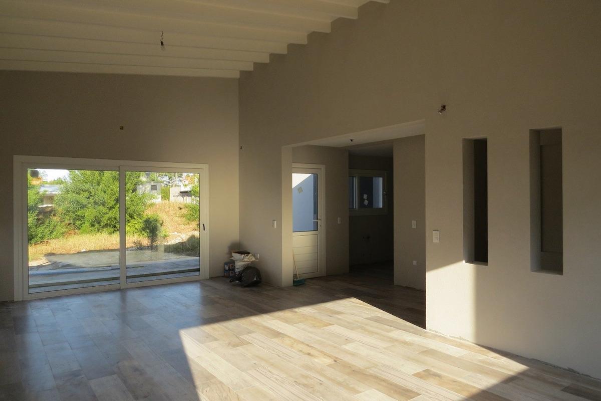 casa en venta en pinamar-a estrenar-calidad edilicia-cloacas-pvc dvh-financiacion
