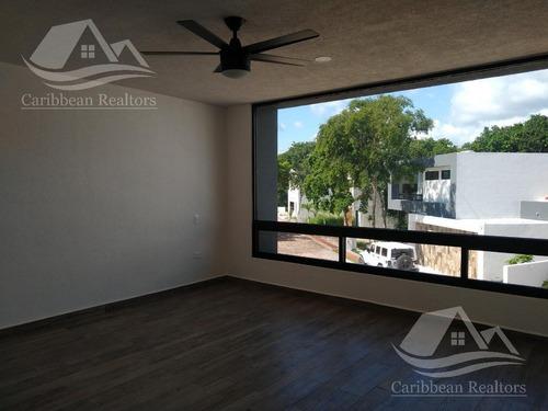 casa en venta en playa del carmen/riviera maya/bosques de bambu/catario