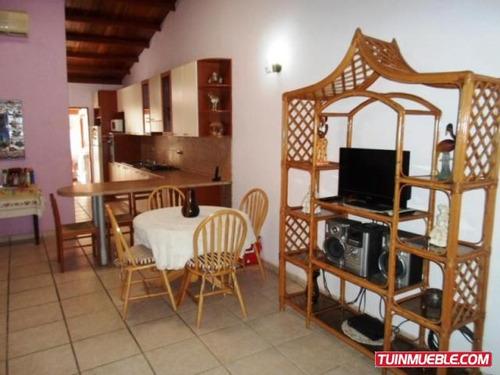 casa en venta en porlamar 18-4511 cm
