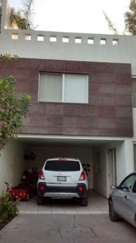 casa en venta en privada dacita