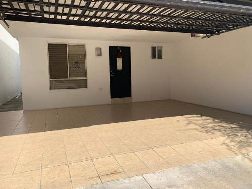 casa en venta en privada de lomas los quetzales