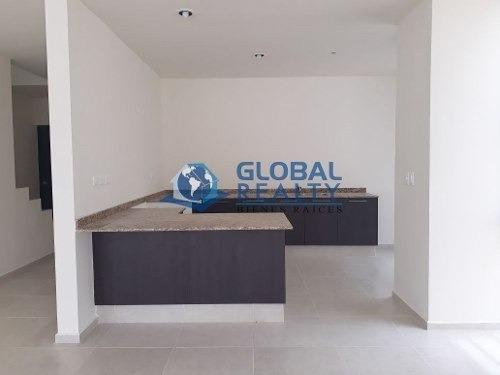 casa en venta en privada parque central cv-4049