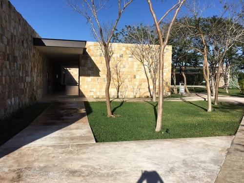 casa en venta en privada parque natura mérida cv-6331