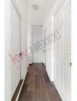 casa en venta en privada portones, juriquilla. a un costado del colegio isq.