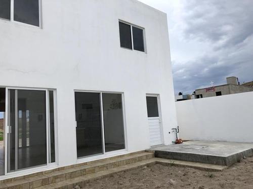 casa en venta en privada sahuatoba