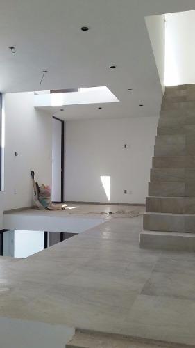 casa en venta en privada san angel