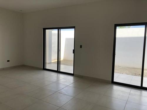 casa en venta en privanzas del campestre