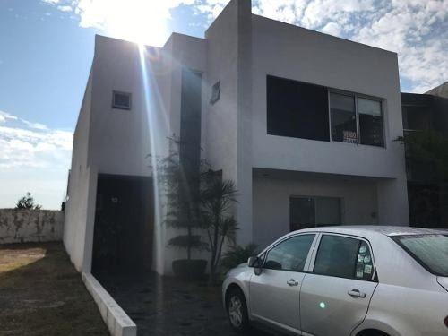 casa en venta en puerta del valle (601)