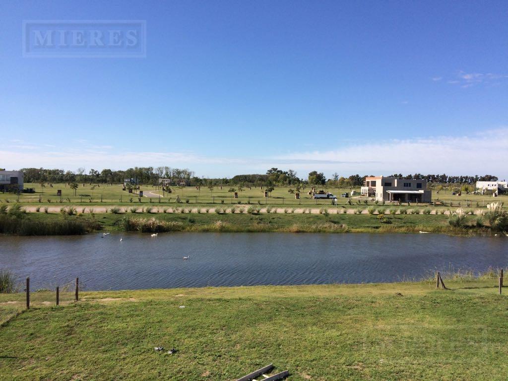 casa en venta en puertos barrio muelles a la laguna!!