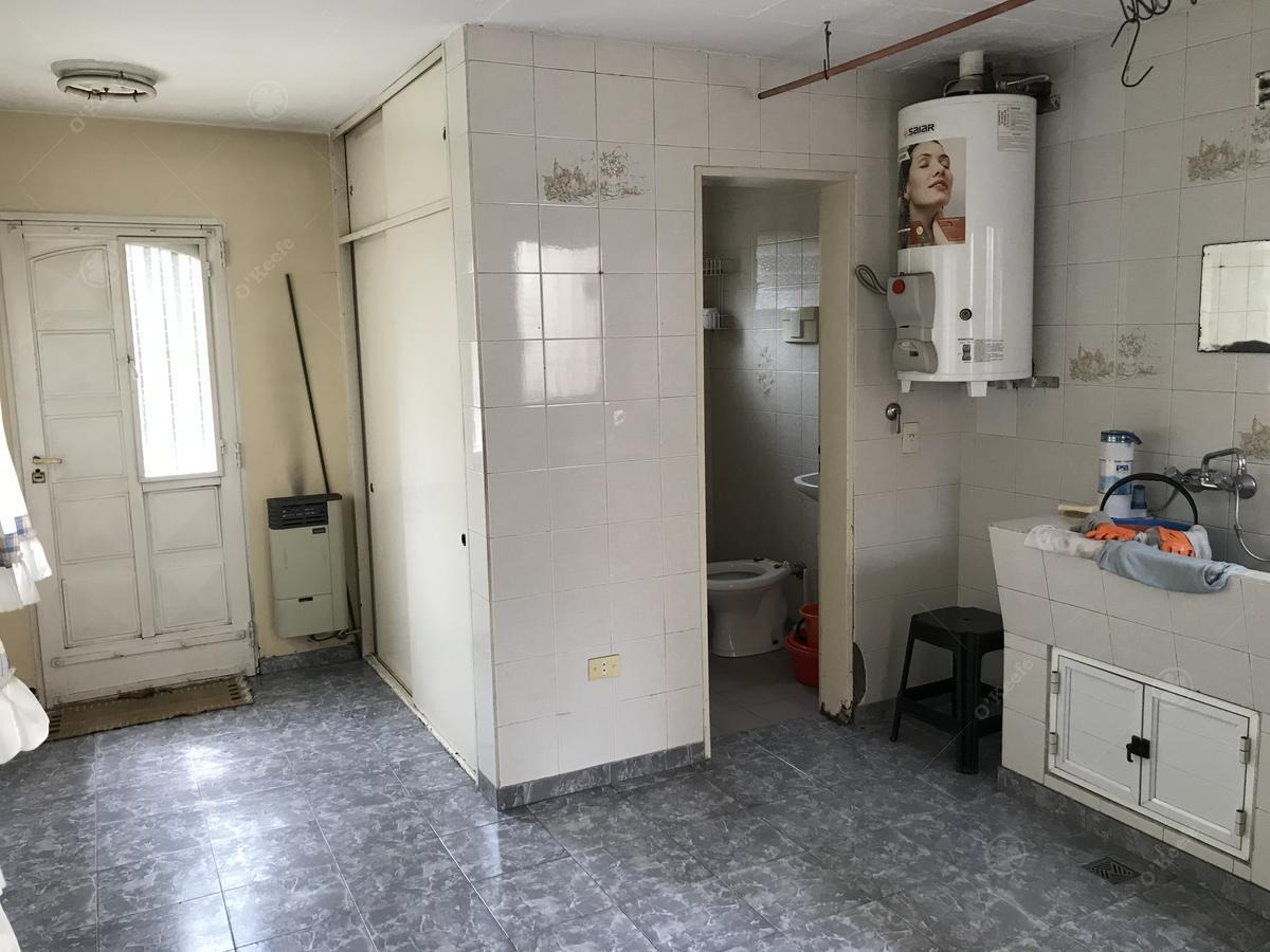 casa en venta en quilmes barrio los cedros 3 ambientes sobre lote de 330 m2