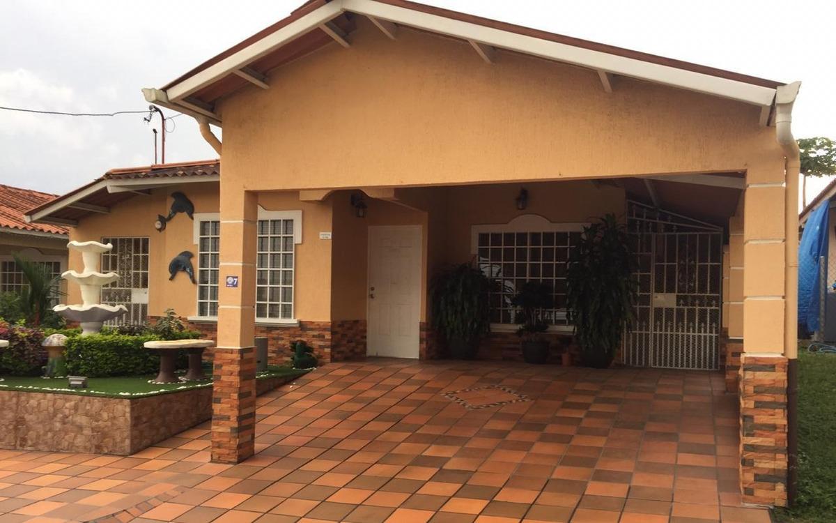 casa en venta en quintas de montelimar