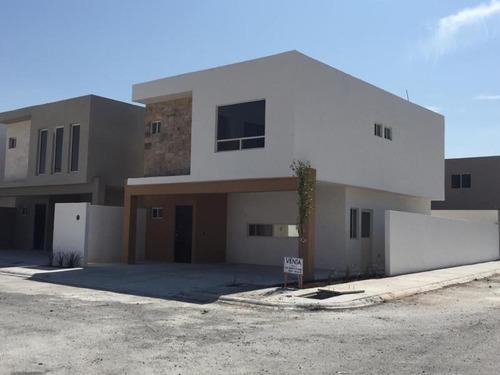 casa en venta en ramos arizpe centro