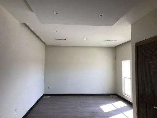 casa en venta en residencial campestre, acabados de lujo, muy equipada!