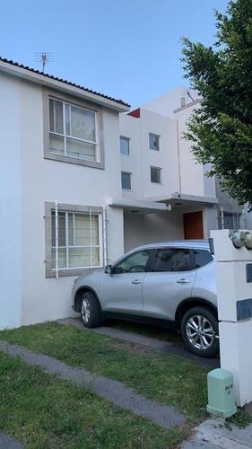 casa en venta en residencial del parque con excelente ubicación y precio.