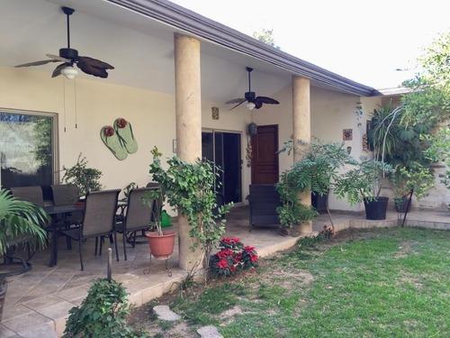 casa en venta en residencial el fresno