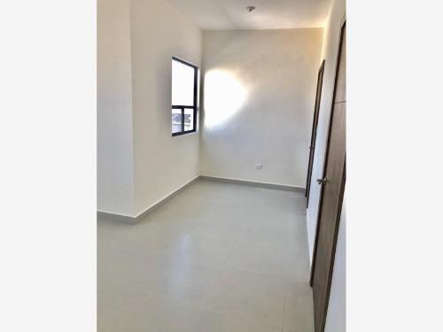 casa en venta en residencial la escondida