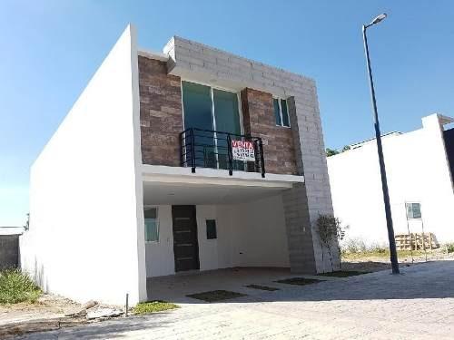 casa en venta en residencial lucendi en coronango