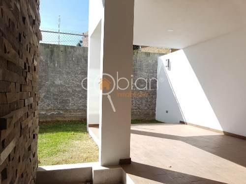 casa en venta en residencial lucendi zona de plaza san diego