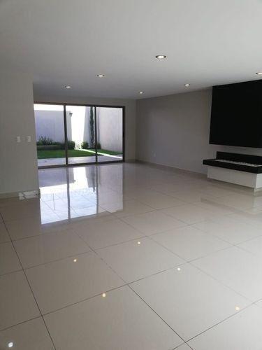 casa en venta en residencial montecarlo metepec