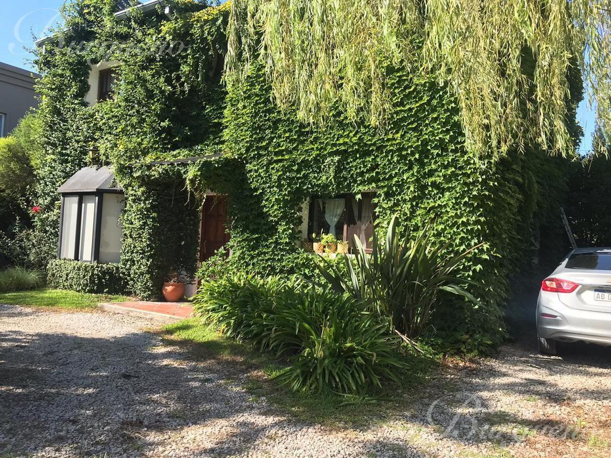 casa en venta en saint matthews, pilar