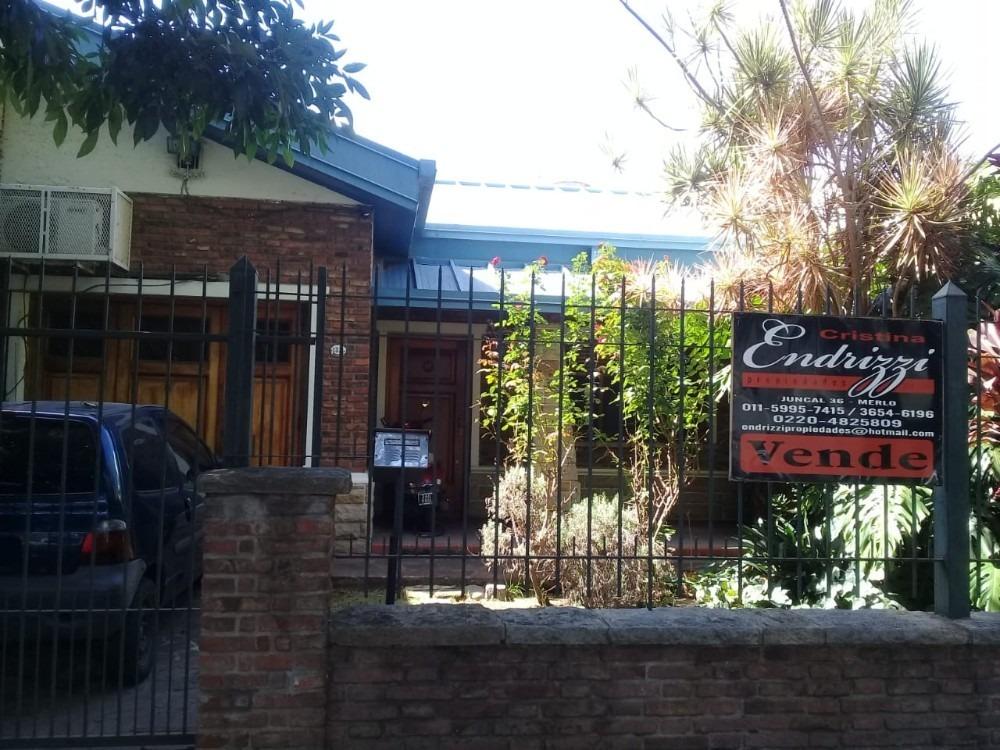 casa en venta en san antonio de padua 5 amb.