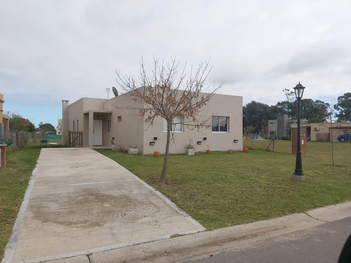 casa  en venta en san eduardo
