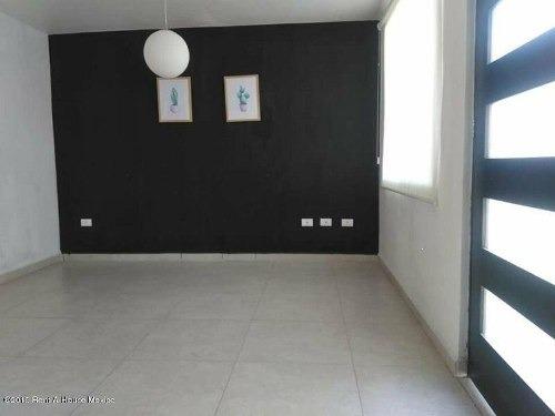 casa en venta en san gil, san juan del rio, rah-mx-19-2254