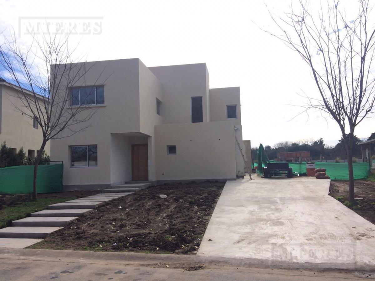 casa en venta en san matias área 3