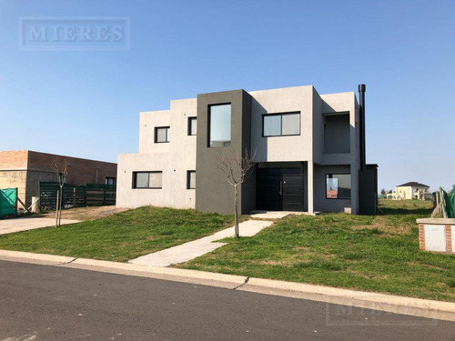 casa en venta en san matias area 5
