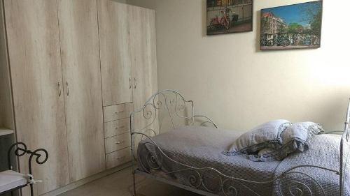 casa en venta en san miguel de allende. casa ermita fit . recámara planta baja.