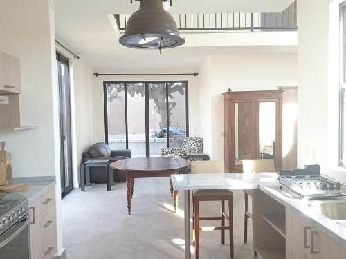 casa en venta en san miguel de allende. casa mesón. 4 rec. amplio roof garden.