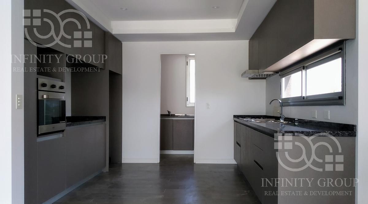 casa en venta en san sebastian area 12