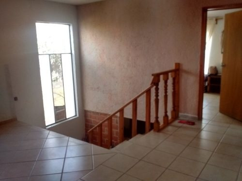 casa en venta en santa barbara, 3 recámaras, 2.5 baños, jardín