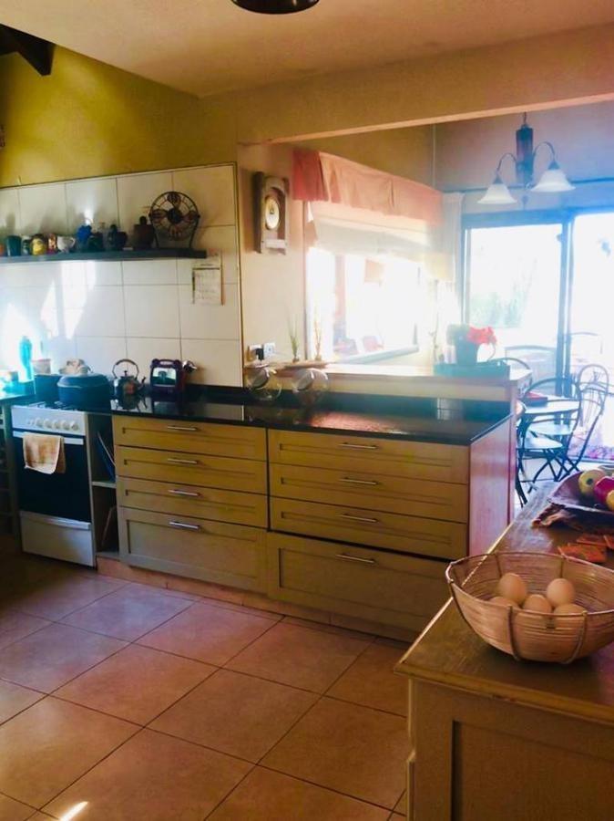 casa en venta en santa guadalupe pilar 3 dormitorios y piscina.