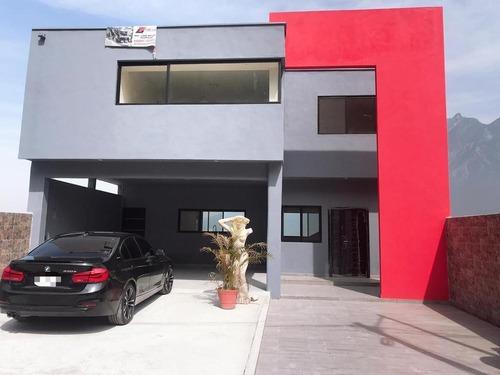 casa en venta en satélite acueducto. 4 recámaras.
