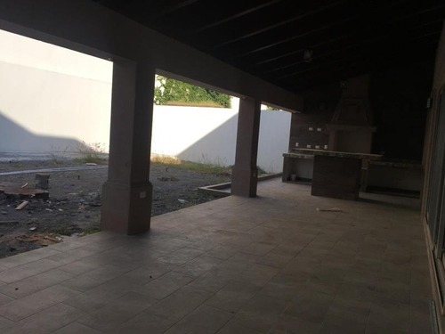 casa en venta en sierra alta carretera nacional monterrey, n.l.